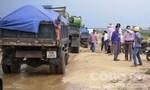 Yêu cầu công ty dừng việc khai thác cát trên sông