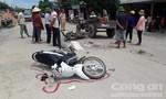Xe máy tông nhau, 2 người nhập viện