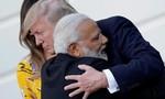 Lãnh đạo Mỹ - Ấn gặp nhau trong cái ôm thắm tình