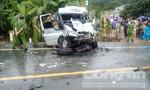 Hai xe khách tông trực diện làm 14 người thương vong