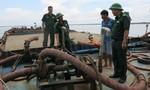 Hai ngày, bắt 11 sà lan vận chuyển cát lậu ở Cần Giờ