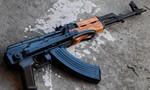 TP.HCM: Nam thanh niên xách súng AK đi giải quyết mâu thuẫn