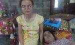 Vừa đi học, vừa chăm bà ngoại điếc, mẹ bệnh nằm liệt giường