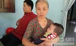 Bé trai 10 tháng tuổi bị bỏ rơi trong lô cao su