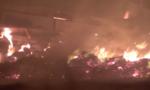 Hơn 4 giờ vật lộn với 'giặc lửa' cứu công ty gỗ