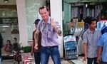 Thầy giáo quốc tịch Úc 'tung cước' khống chế nam thanh niên trộm bia trên đường
