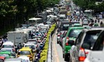 'Giải cứu' Tân Sơn Nhất: Đốn cây xanh mở đường, đình chỉ thi công cầu vượt