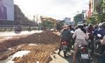 Ách tắc giao thông vì thi công chậm chạp