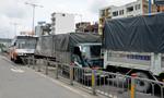 TP.HCM: 5 xe tải, 1 xe khách tông nhau trên đại lộ