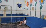Những bức tranh trên tường xóa tan không khí cô đơn cho các em khuyết tật mồ côi