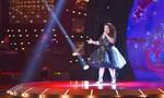 Cô bé 10 tuổi hát 'Ly cà phê Ban Mê' khiến giám khảo đứng ngồi không yên