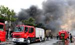 'Giặc lửa' tấn công nhà xưởng, người dân hô nhau tháo chạy