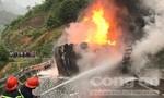 Xe chở 8.000 lít dầu gặp nạn, bốc cháy dữ dội giữa đèo