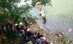 Nam thanh niên bỏ lại xe máy trên cầu nhảy sông tự vẫn