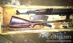 Thu giữ nhiều súng tại nhà đối tượng đòi nợ thuê