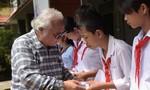 100 học bổng đến với học sinh nghèo hiếu học ở Cần Giuộc