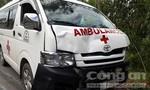 Xe cứu thương gây tai nạn