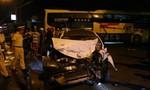 Xe giường nằm tông xe taxi khiến một người nguy kịch