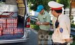 Phát hiện xe ô tô tải chở 73 thùng bia ngoại nhập hết hạn sử dụng