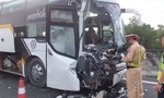 """Cửa ngõ miền Tây: QL1A kẹt cứng, đường cao tốc  """"tê liệt"""" vì tai nạn"""