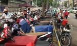 TP.HCM: Rà soát, chấm dứt hoạt động các bãi giữ xe trên vỉa hè