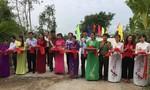 Khánh thành 2 cây cầu nông thôn và trao quà Tết cho dân nghèo