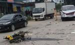 Xe máy bẹp dúm sau tai nạn với ô tô, 1 người chết, 1 người nguy kịch