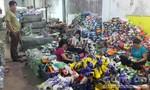 Phát hiện hàng ngàn đôi giày thể thao nghi giả của một công ty tại Đồng Nai