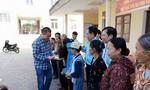 Báo Công an TP.HCM trao 200 phần quà cho người nghèo đón Tết