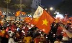 U23 giành ngôi á quân, người Sài Gòn ra đường ăn mừng