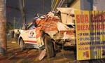 Container tông bẹp taxi khiến tài xế tử vong rồi bỏ chạy