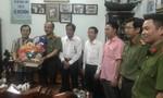 Trung tướng Lê Đông Phong thăm, tặng quà gia đình chính sách