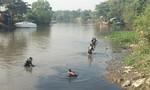 Người nhái 'dàn trận' mò tìm nạn nhân trên sông