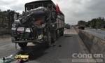 Xe tải tông nhau, tài xế nhảy sang ghế phụ thoát chết