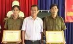 Khen thưởng hai Công an xã cứu hai nữ sinh suýt chết đuối