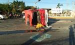 Xe cứu hỏa bị lật khi đi chữa cháy, 2 chiến sĩ PCCC bị thương