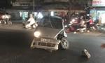 Ô tô tông dải phân cách rồi quay ngang, tài xế bất tỉnh trong xe