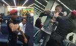 Đánh khách du lịch, 3 nhân viên tại sân bay bị đình chỉ