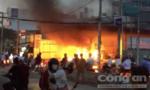 Cây xăng ở Sài Gòn cháy khủng khiếp