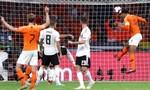 Hà Lan hủy diệt Đức 3 - 0 trên sân nhà