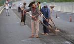 Hình ảnh cào đường để thảm lại nhựa cao tốc 34.500 tỷ đồng