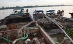 Rượt đuổi bắt 3 tàu hút cát lớn trên sông Đồng Nai