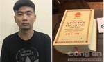 Bắt 2 nghi can ở Sài Gòn nhắn tin tống tiền nhiều cán bộ văn phòng đoàn ĐBQH