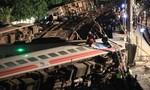 Clip lực lượng cứu hộ trắng đêm giải thoát hành khách mắc kẹt