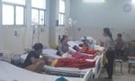 Chuyển viện 11 bệnh nhi nặng nghi ngộ độc sau khi ăn bánh mì