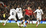 Hòa Valencia, Mourinho đối mặt nguy cơ rời Old Trafford