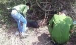 Phát hiện thi thể đàn ông nằm chết trong bụi cây