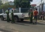 Hai tên cạy cửa quán trà sữa trộm tài sản bị bắt tại trận