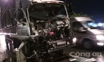 Tài xế xe tải kêu cứu trong cabin biến dạng ở Sài Gòn