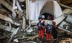 Đội cứu hộ Pháp nghi còn người sống trong đống đổ nát